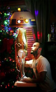 Leg-lamp-replicates-C3POs-leg-and-R2D2s-head